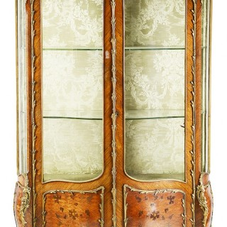 French Kingwood 19th Century Display cabinet.