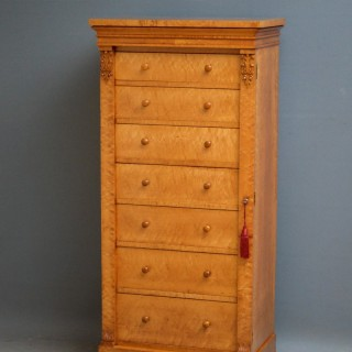 Exquisite Quality Early Victorian Bird's Eye Maple Wellington Chest