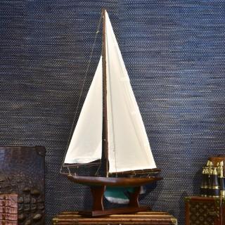 1920's Pond Yacht