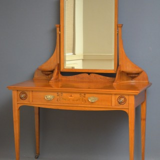 Exceptional Edwardian Lacewood Dressing Table