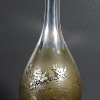 FINE QUALITY JAPANESE SILVER AND SHIBUICHI MIXED METAL VASE - SIGNED