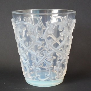 Rene Lalique Opalescent Glass 'Sarments' Rinser