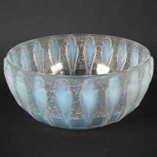 Rene Lalique Opalescent Glass 'Perruches' Bowl