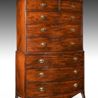Antique George III Mahogany Bow Front Chest on Chest - Tallboy