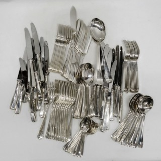 Vintage Silver Canteen of Rattail Cutlery