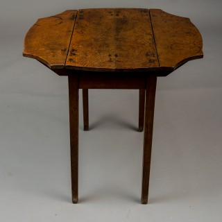 Small Welsh oak Pembroke table