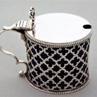 Good quality large George III silver pierced&engraved mustard pot London 1790 John Beldon
