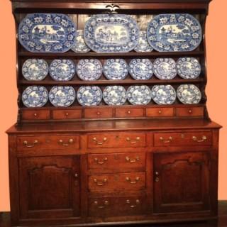 18th century Welsh oak dresser and shelves