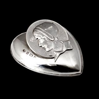 A Kate Harris art nouveau silver paper holder