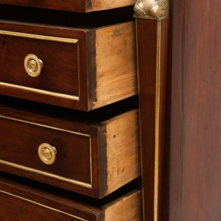 EARLY 19TH CENTURY CONTINENTAL WALNUT COMMODE