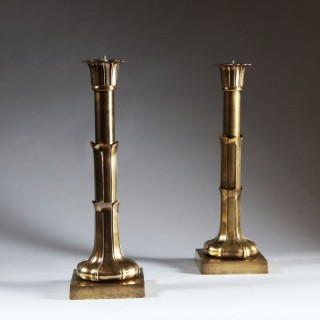 PAIR OF BRASS STYLISED FOLIATE COLUMN LAMPS