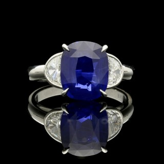 Hancocks Cushion Cut Ceylon sapphire Ring with half Moon Diamond Shoulders in Platinum