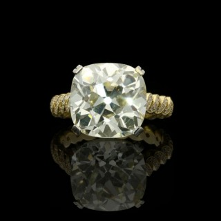Hancocks 7.90ct Old Mine Brilliant cut Diamond Ring with Twisted Double Row Diamond-set Gold Band