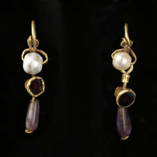 Roman Gold Earrings With Amethyst