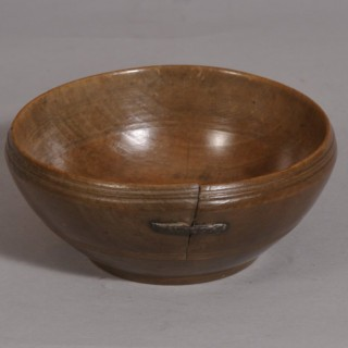 Antique Treen 18th Century Welsh Sycamore Cawl Bowl