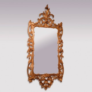 18th Century Chippendale Carved Gilt-Wood Mirror