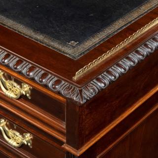fine quality late Victorian mahogany pedestal desk,