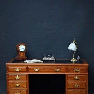 Late Victorian / Edwardian Walnut Pedestal Desk by Maple & Co