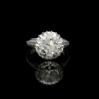 Hancocks 8.03ct Old European Brilliant cut Diamond Ring in finely pierced Diamond-set Mount