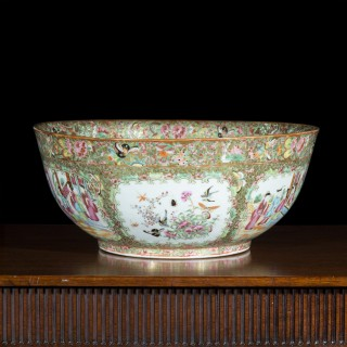 19th Century Chinese Qing Porcelain Bowl