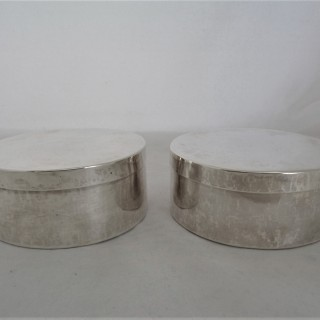 Very rare pair of large Charles II silver boxes London 1671 by WR