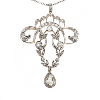 18 ct. Gold & Platinum Pendant/Chain from Art nouveau with Diamonds, France approx. 1900