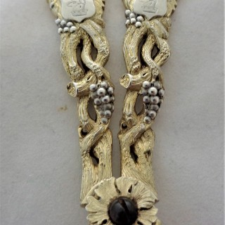 Stunning cased pair crested Victorian parcel gilt silver grape scissors London 1864 George Adams
