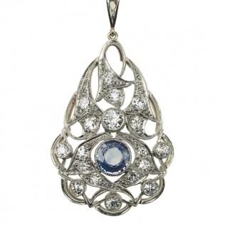 14 ct. Gold / Platinum Pendant with Ceylon Sapphire & Diamonds incl. Chain Art déco France ca. 1920