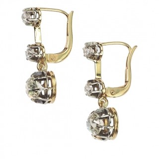 18 ct. Gold Art nouveau Earrings with Diamonds, Jugendstil Diamondsearrings from the Netherlands approx. 1910