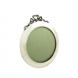 Antique Sterling Silver Circular Bow/Ribbon Photo Frame 1921