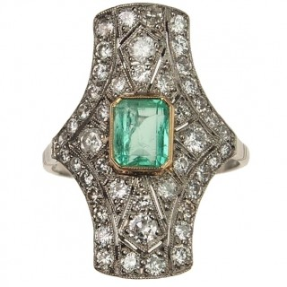 Platinum Ring with Emerald & Diamonds of Art déco France approx. 1925
