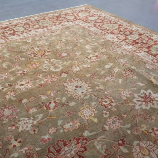 Fine Sarouk carpet