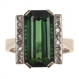 18 ct. Gold Ring with Tourmaline & Diamonds Art déco Sweden approx. 1940