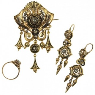 18 ct. Gold, Enamel & Rose-cut Diamonds Set incl. Brooch, Earrings & Ring / Engagement ring France approx. 1870