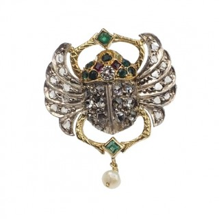 """18 ct. Gold Earrings """"Egyptian Revival"""" with Diamonds, Emeralds, Rubies und Pearls Art déco France approx. 1920"""