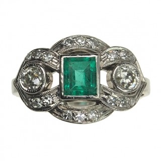 18 ct. Gold Art déco Ring with Emerald & Diamonds Germany approx. 1930s