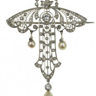 Platinum Brooch / Pendant with Diamonds & Pearls of Belle Epoque France approx. 1890