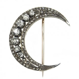 15 ct. Gold & Silver Crescent moon Brooch with Diamonds, from Victorian England approx. 1890