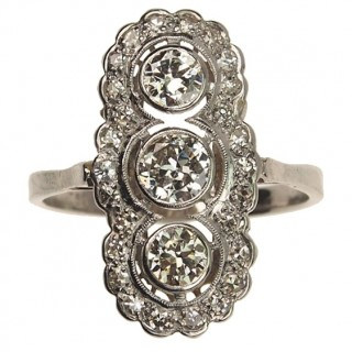 18 ct. White-gold / Platinum Art déco Ring with Diamonds Germany approx. 1920s