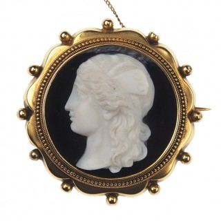 15 ct. Gold Brooch Onyx cameo ca. 1860