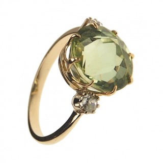 18 ct. Gold Vintage Ring with Tourmaline & Diamonds approx. 1960s