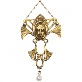 14 ct. Gold Pendant with 1 Diamond, 2 Opals & 1 Pearl, from Art nouveau in USA approx. 1910, including 9 ct. Goldchain
