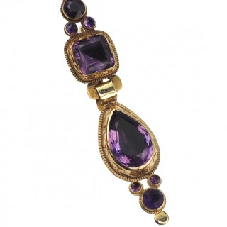 18 ct. Gold Earrings with foiled Amethysts, 3 Segments to hanging out, from Barcelona approx. 1720 Catalan jewellery