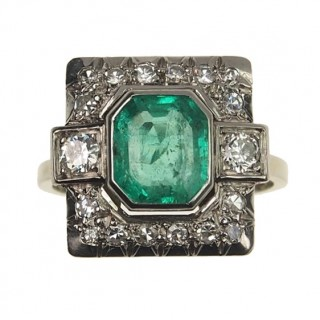 18 ct. Gold Art déco Ring with Diamonds & Emerald of France approx. 1930