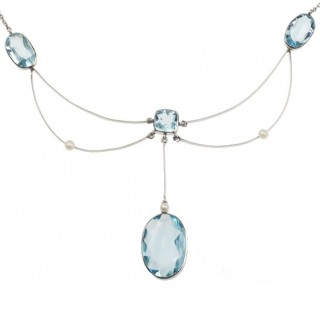 18 ct. White-gold Necklace with 4 Aquamarines & 3 Pearls, from Art déco approx. 1930
