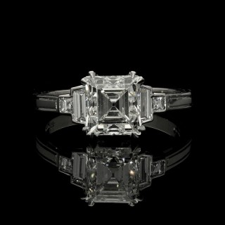 Hancocks 1.88ct Carré-cut Diamond Ring with Stepped Diamond-set Shoulders