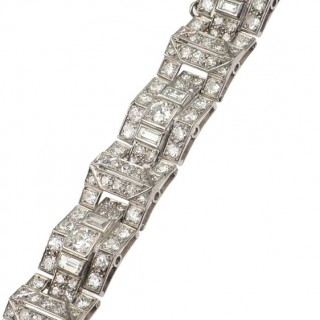 Platinum Bracelet with Diamonds in Old-brilliant-cut and Baguette-cut, from Art déco approx. 1930