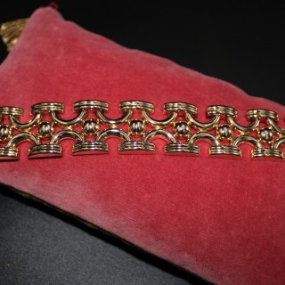 18ct Yellow Gold Art Deco French Import Bracelet,  Circa 1935