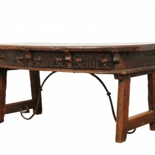 Walnut library / serving table, Spain circa 1660