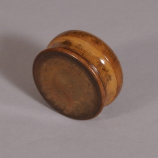 Antique Treen 19th Century Boxwood Patch or Pill Box
